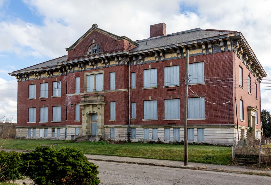 Bellows School (1905)